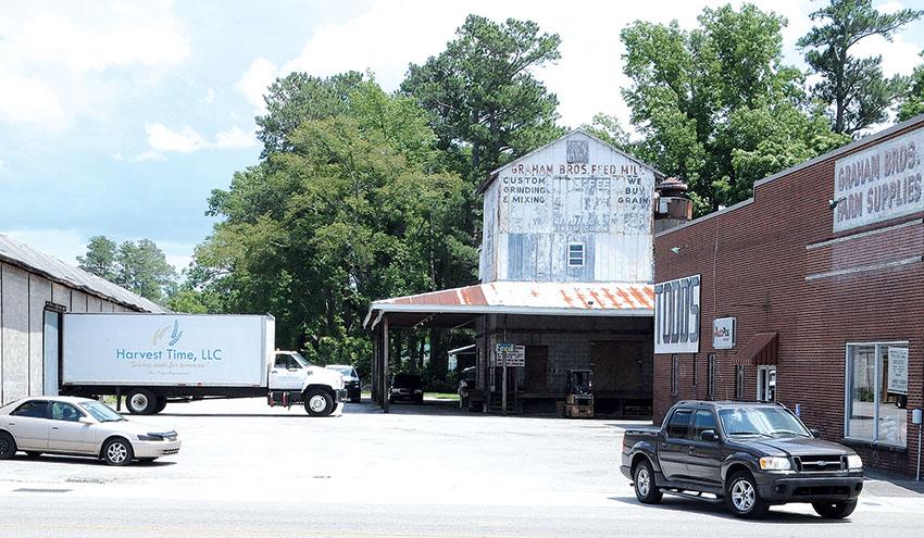 Alley2_Old Brick Warehouse_Todd's Auto Parts